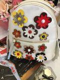 Dámsky biely ruksak FLOWERS