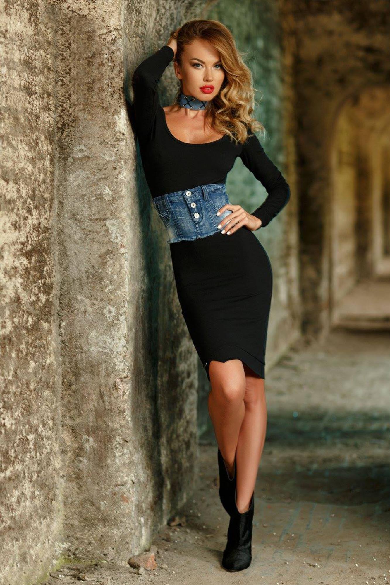 Dámske čierne teplákové šaty Foggi BLACK WARRIOR - M odporúčame pre S