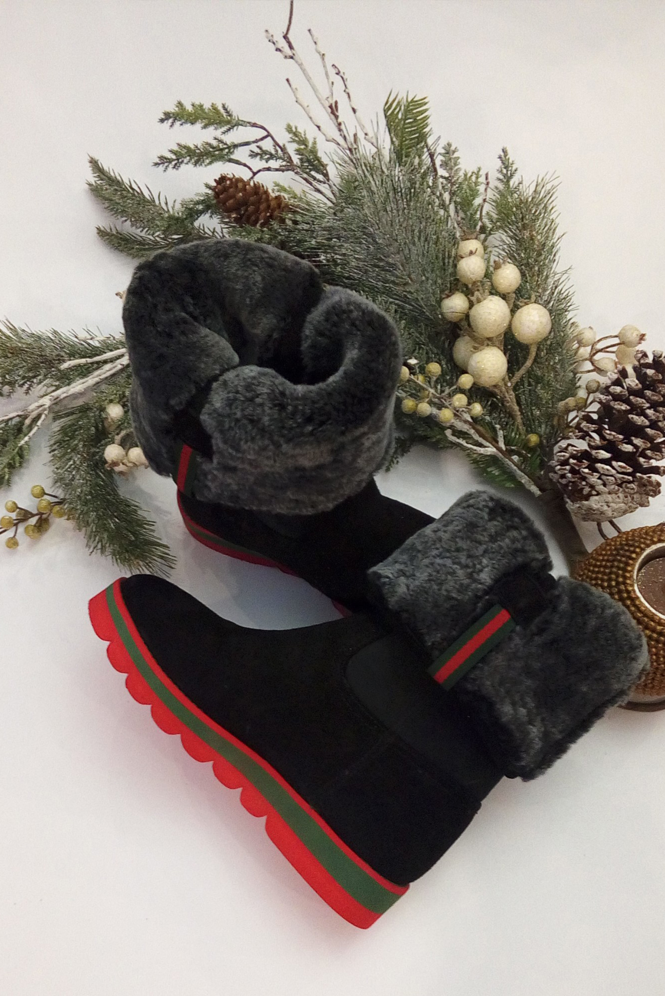 Dámske čierne zateplené čižmy s kožušinou - 36