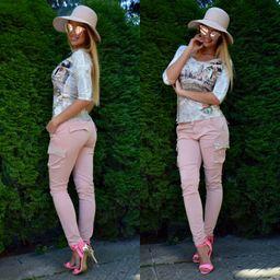 Dámske bledo ružové kapsáče s perličkami