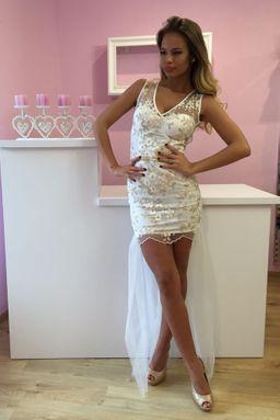5aefafd22eef Dámske elegantné čipkované béžové šaty Foggi s kryštálmi